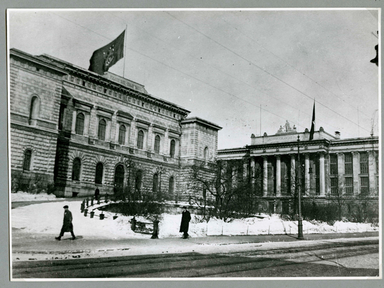 The Bank of Finland at the turn of the year 1917–1918. Bank of Finland